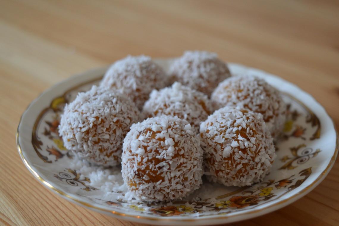 dadel kokos truffels, Carrot Cake Truffels