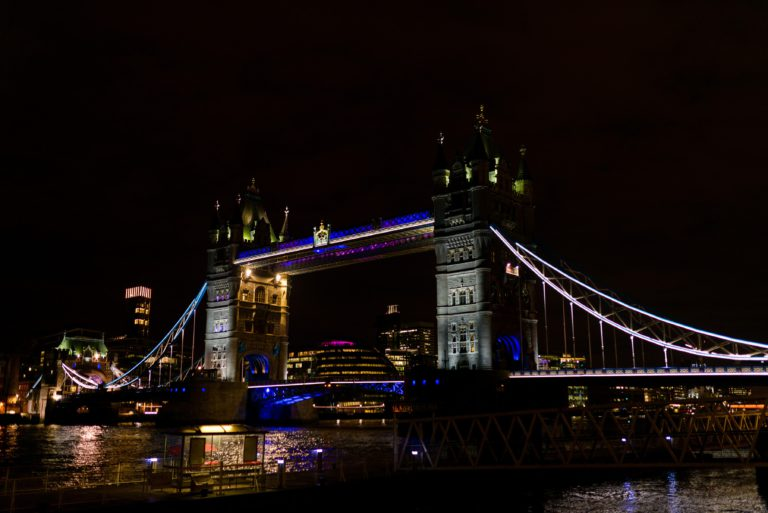 Londen, Tower Bridge, Asics