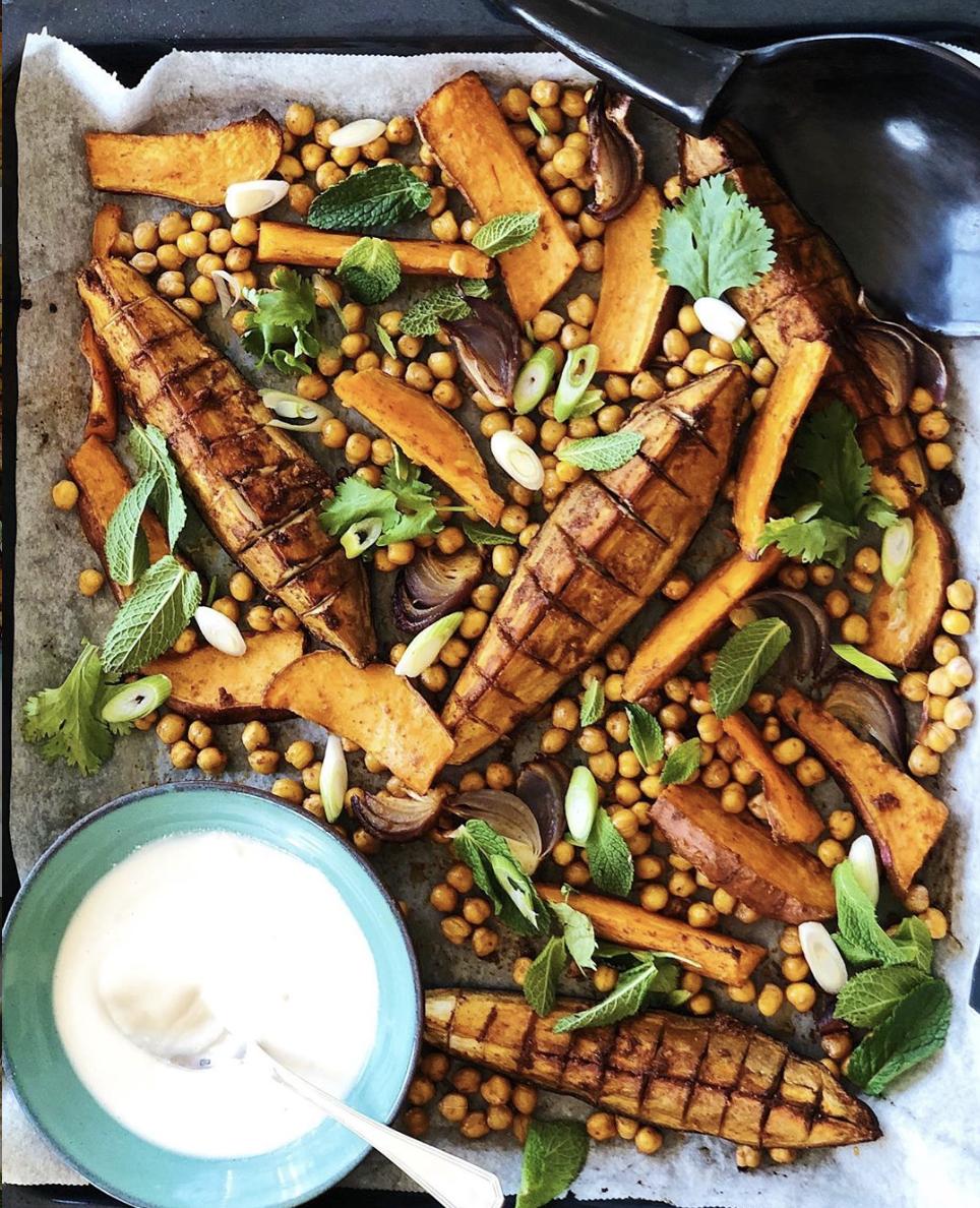 tray bake zoete aardappel, zoete aardappel kikkererwten, baking tray
