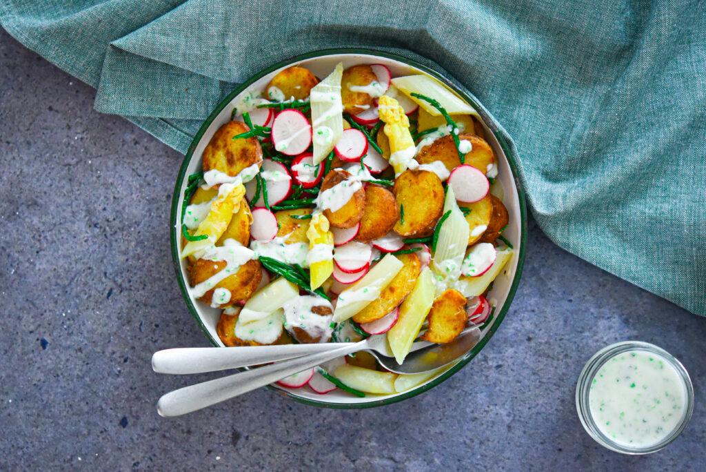 witte asperge salade, krieltjes, radijs, zeekraal, yoghurt dressing, healthy