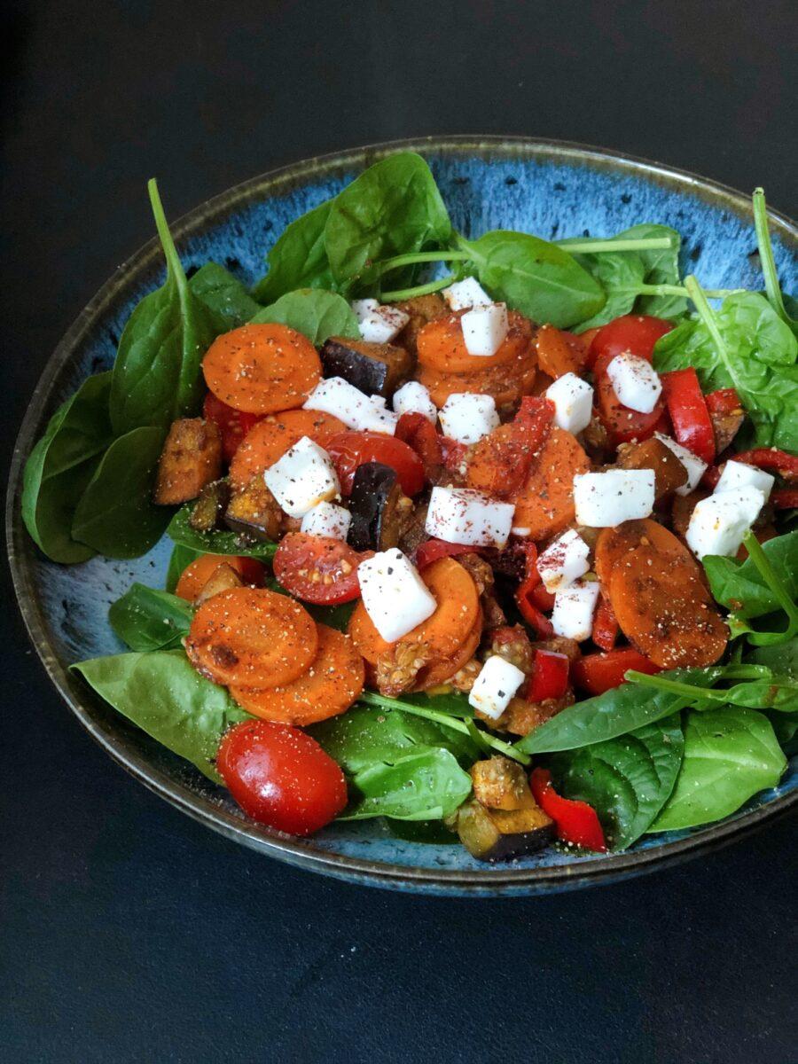 spinaziesalade, gebakken groenten, vegan feta, recept, jeanine leenheer