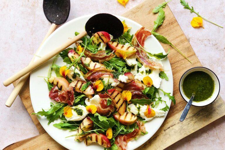 burrata salade, perzik, gegrilde perzik, salade