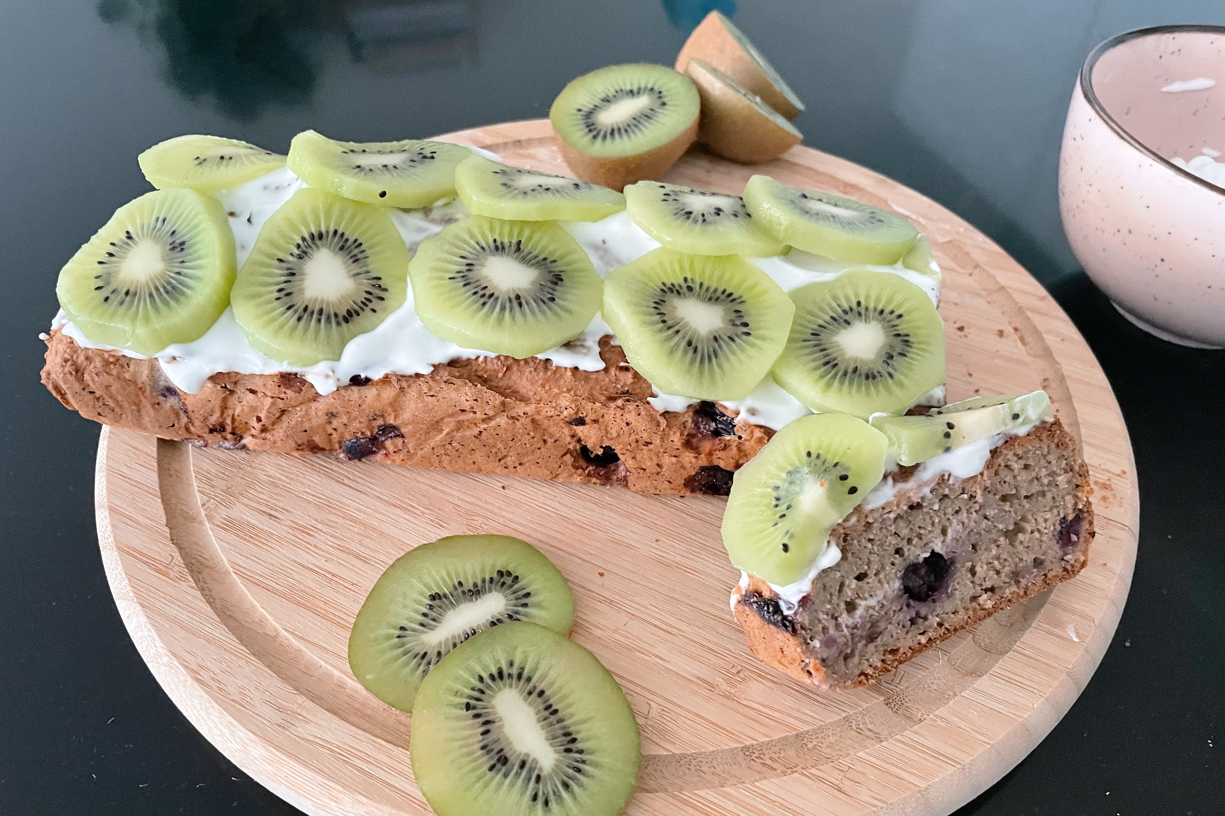 bananenbrood met kiwi