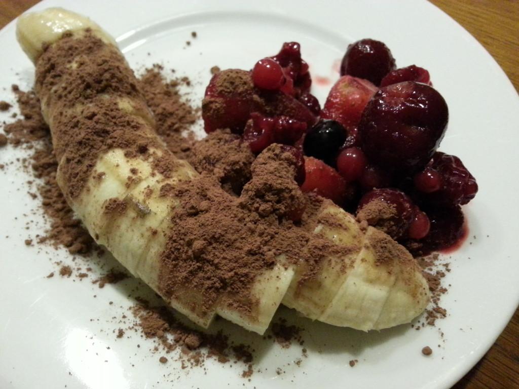Toetje eetdagboek bevroren banaan met cacao poeder