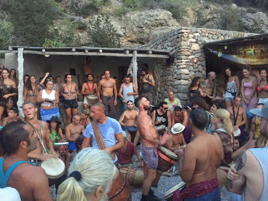 Detox & Reload Holidays ibiza, hippies Benniras