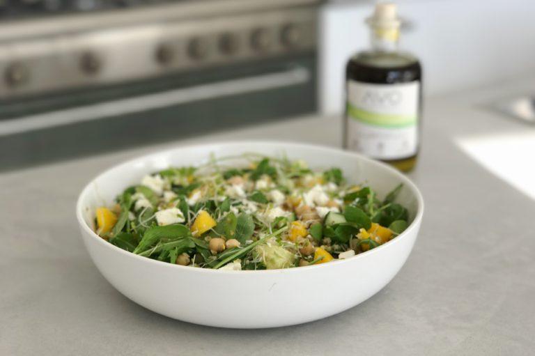 bulgur salade met mango en kiemen