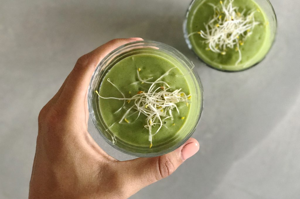 avocado smoothie met kiemen