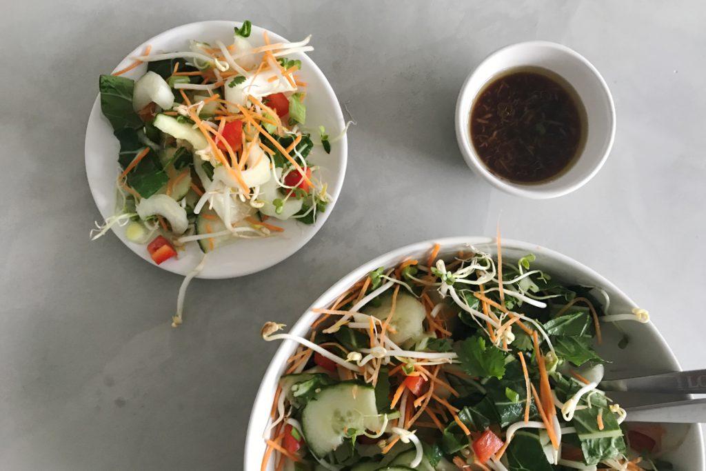 oosterse salade met tauge, paksoi en kiemen
