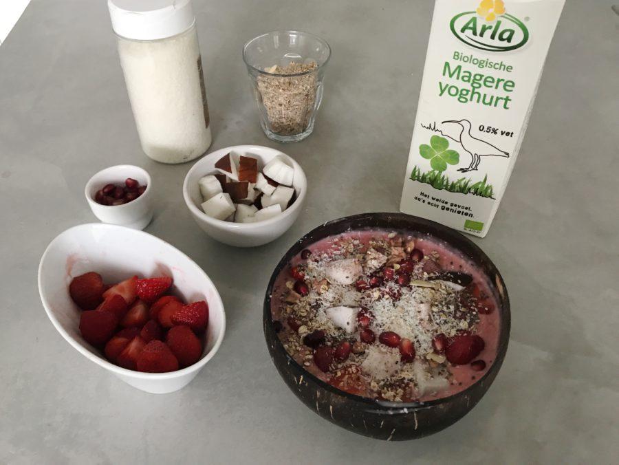 smoothie bowl aardbeien arla biologisch