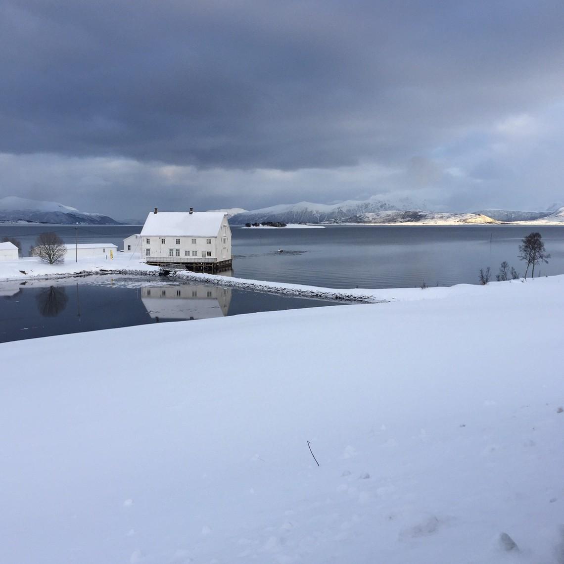 Huis in het noorden van noorwegen