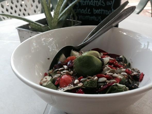 Salade bij Living Juices