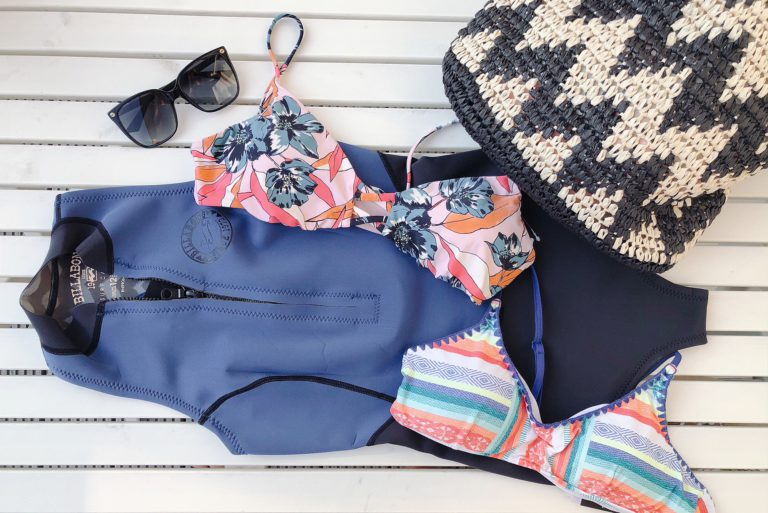 blue tomato surf bikini's en suits