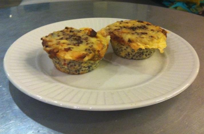 Gluten vrije quinoa groentetaartjes met gesmolten geitenkaas - eetdagboek