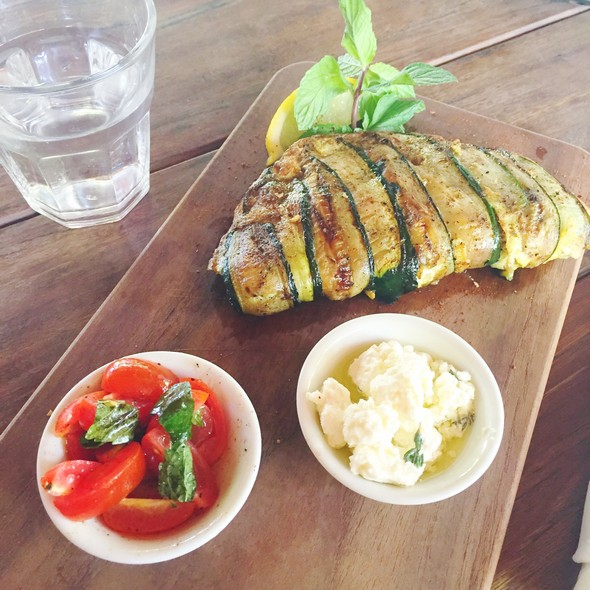 milk & madu, bali, courgette omelet