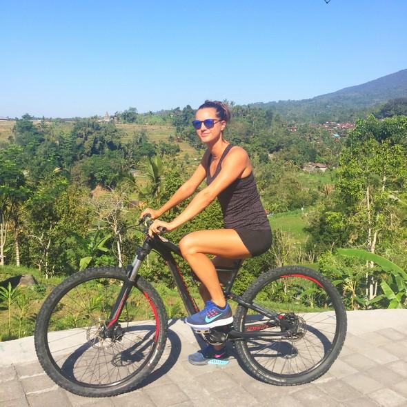 the chillhouse canggu, bali bike tour mountainbike