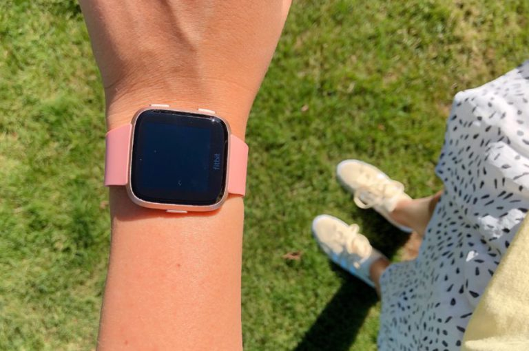 fitbit versa, review