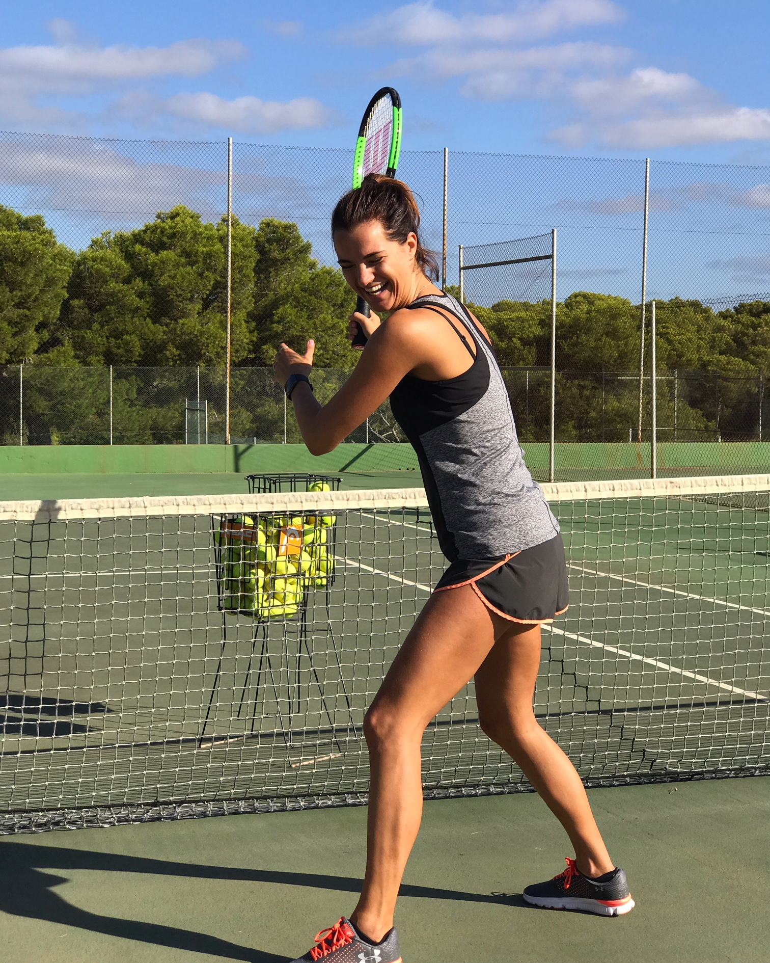 fitbit ionic, tennis, daisy
