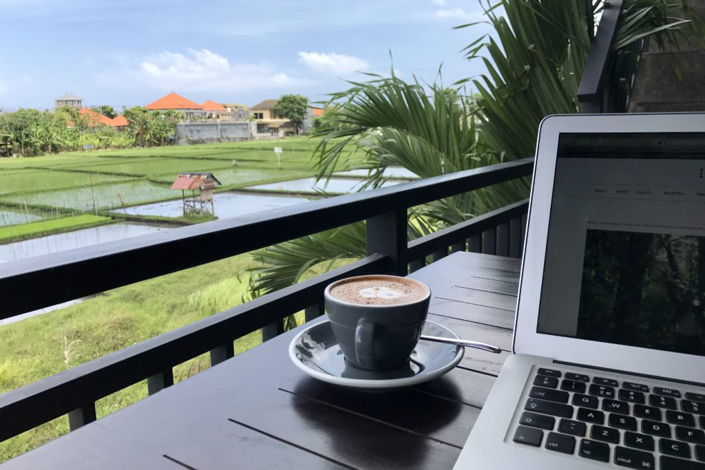 digital nomad, bali, laptop, rijstveld