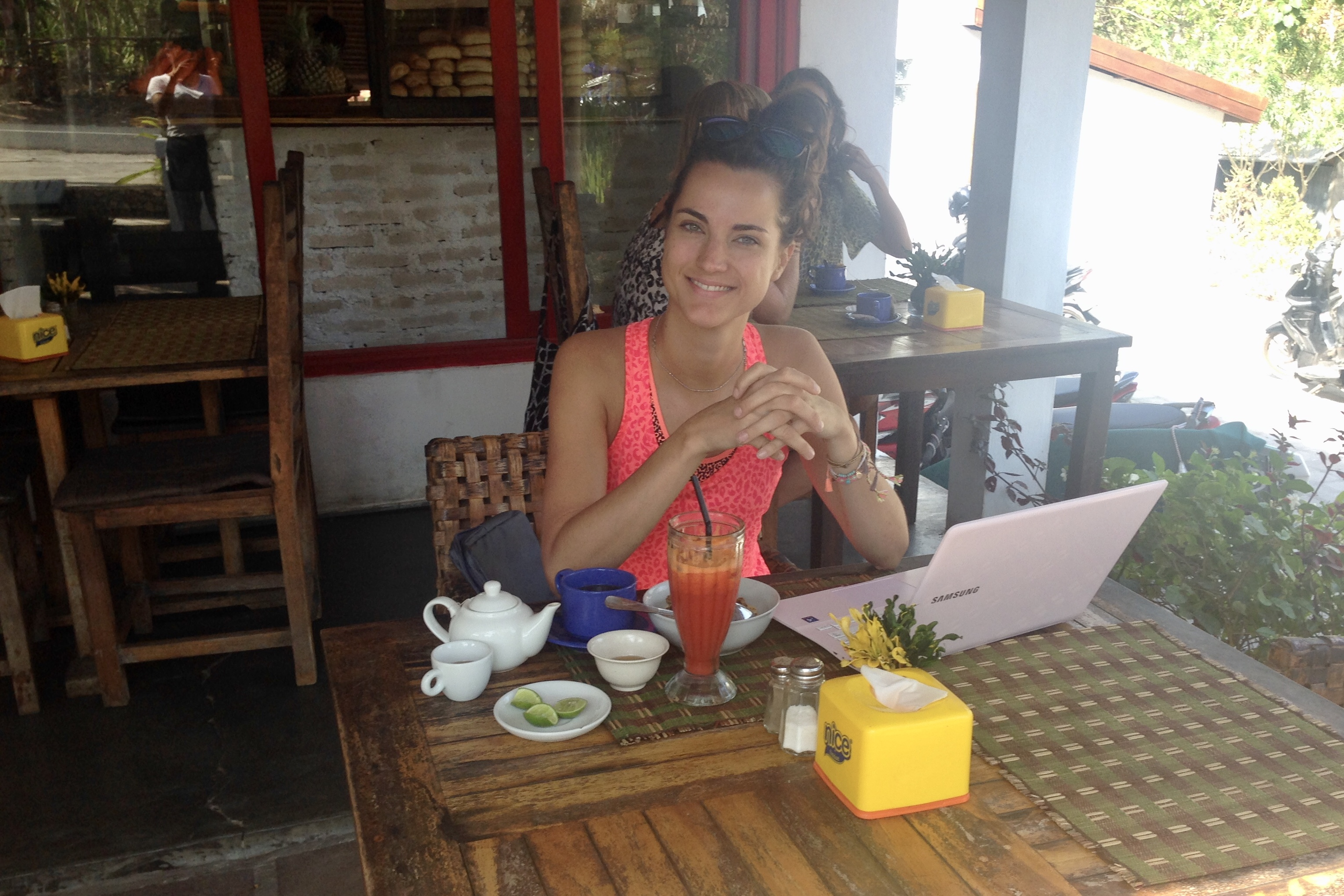 digital nomad bali, laptop