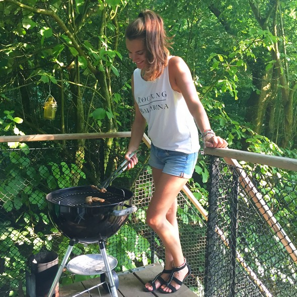 barbecue, bbq in de boomhut