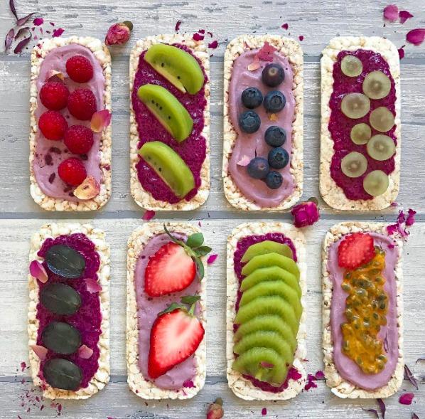 quinoa crackers, crackers met gezond beleg, daily bowl of happiness