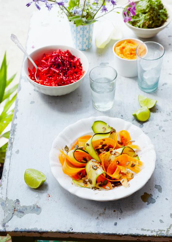 deliciously ella - elke dag, Salade courgette- en wortelrepen