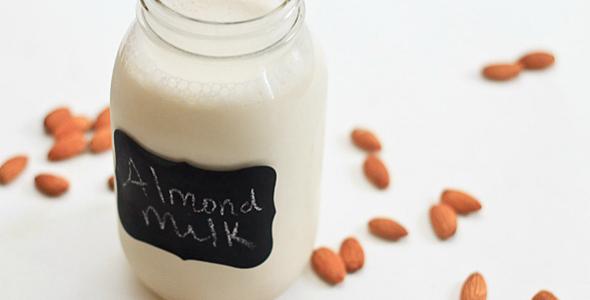 plantaardige melksoorten - amandelmelk