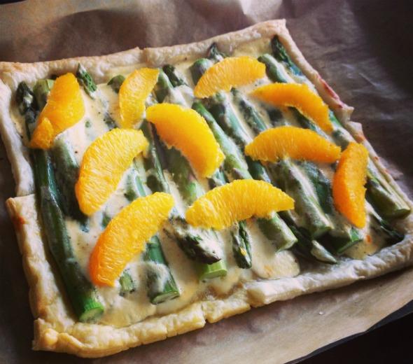 plaattaart met asperges van Foodness.nl