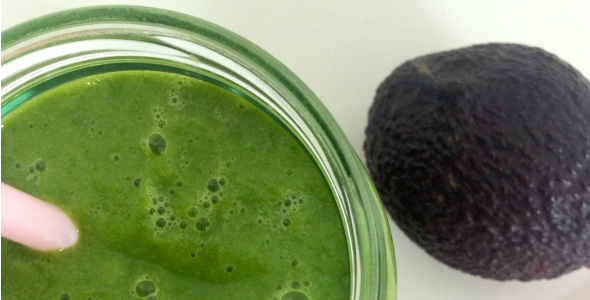 avocado smoothie met appel en mango