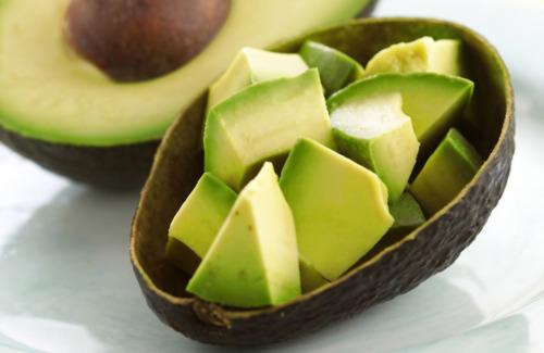 Avocado is goed voor een jonge huid