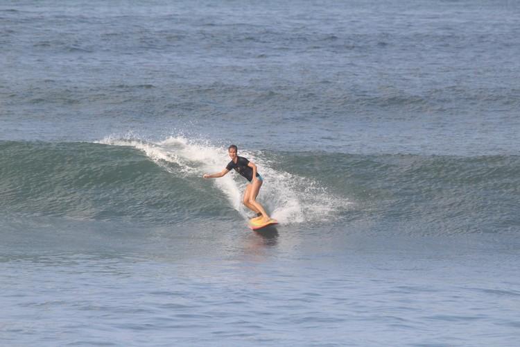 bali surfen daisy