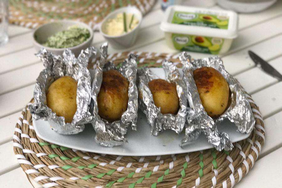plantaardige bbq, gepofte aardappel
