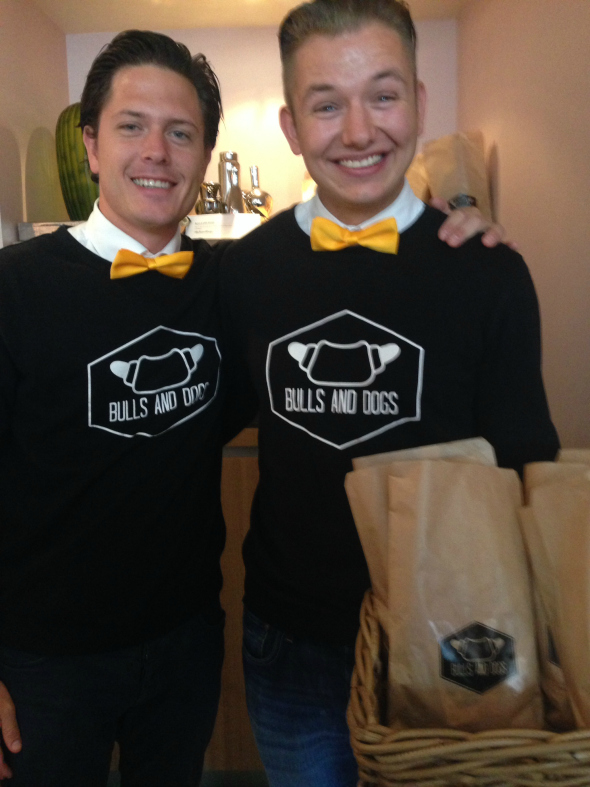 bulls and dogs - giftsuite