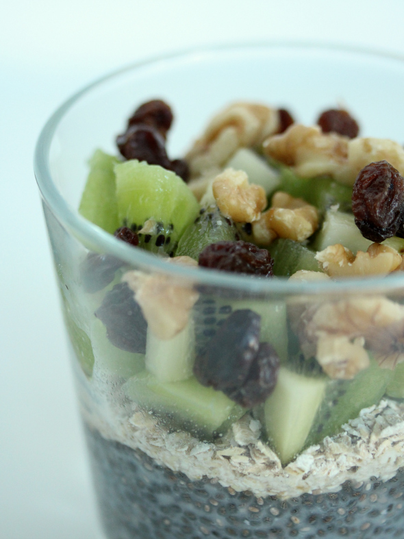 chia pudding met kiwi en havermout