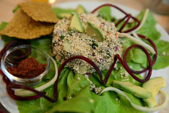 Rawsome diner: maaltijdsalade van gekiemde quinoa en groenten - dagboek health lover