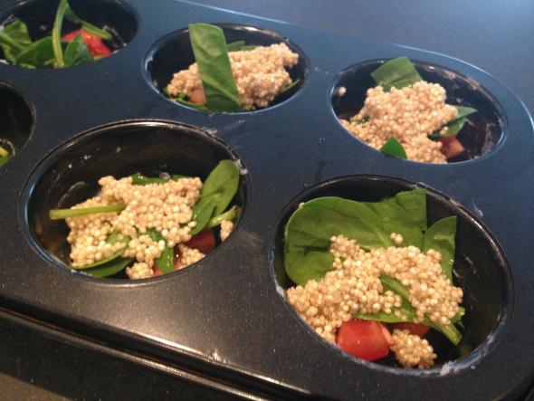 ei muffins gevuld met quinoa