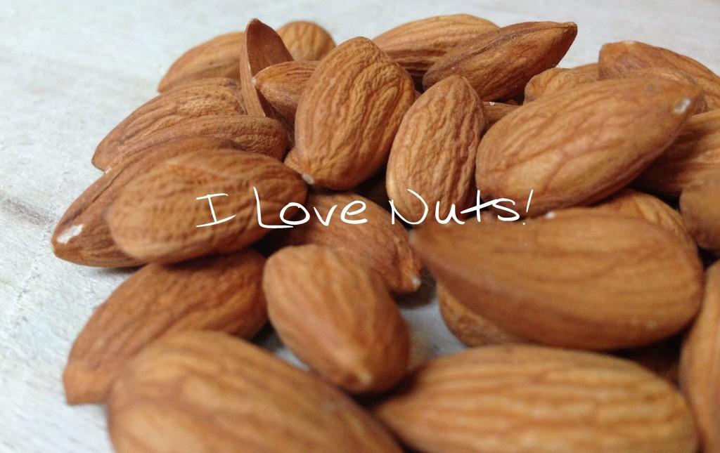 I love nuts (walnoten, amandelen, paranoten)