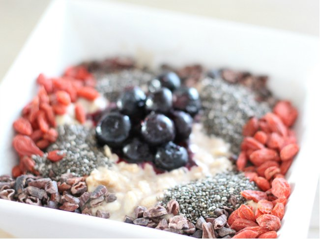 Ontbijt eetdagboek thebeautyassistant.nl, chia zaad, goji, overnight oats