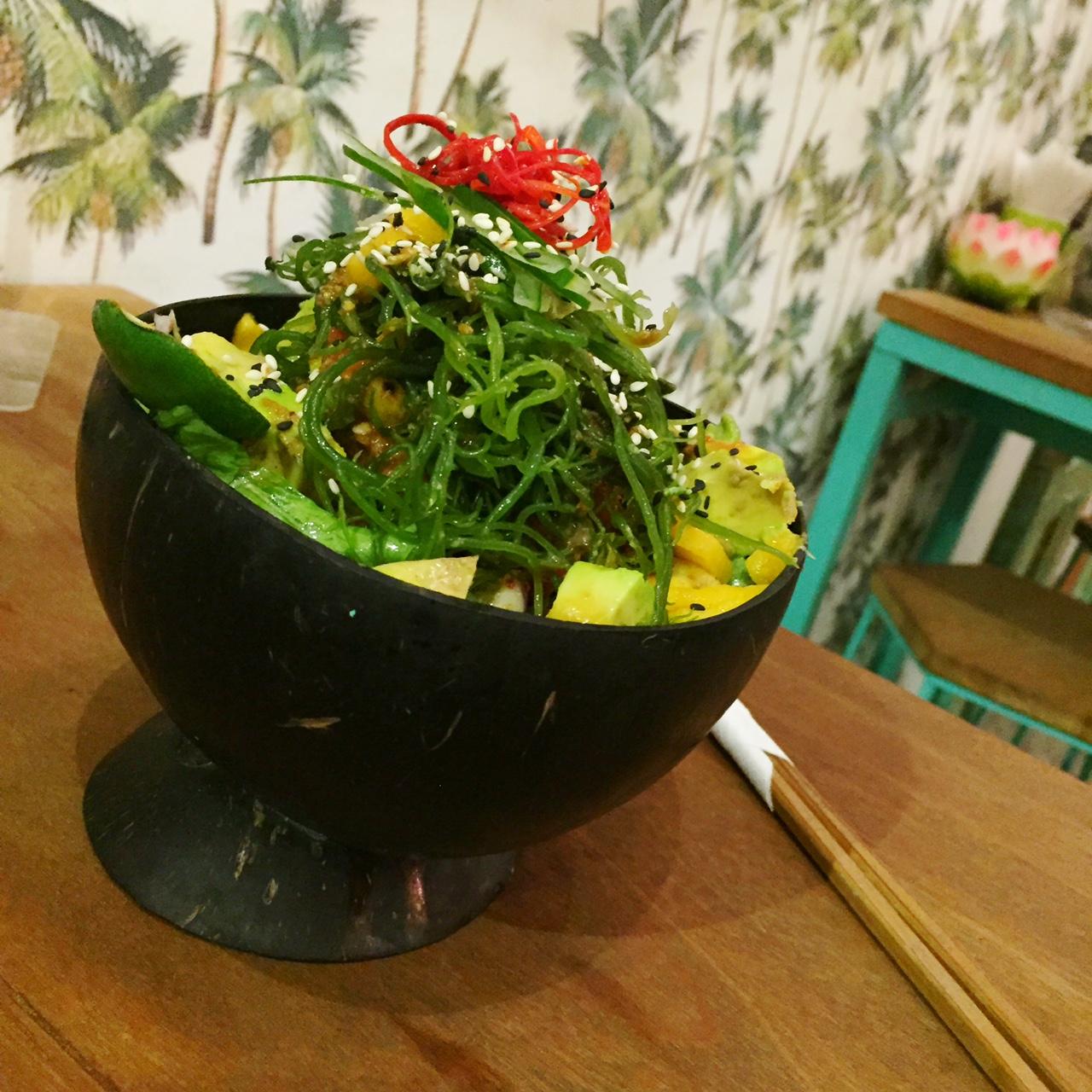 canggu healthy hotspot bali poke poke, food bowl