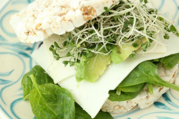 rijstwafel sandwich met broccoli kiemen