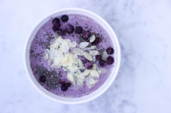 lavendel smoothie bowl