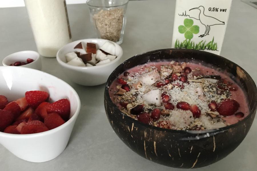 smoothiebowl aardbeien arla biologisch