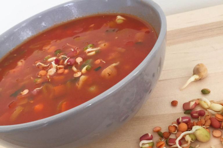 tomatensoep met kiemgroenten