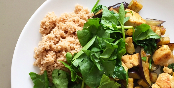 spelt couscous met kip en aubergine
