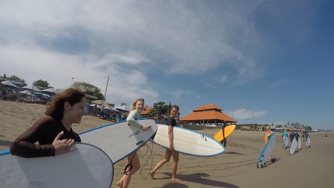 surfen i love health retreat bali
